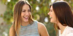 كيف تكون المرأة أو الفتاة جذابة في الكلام؟