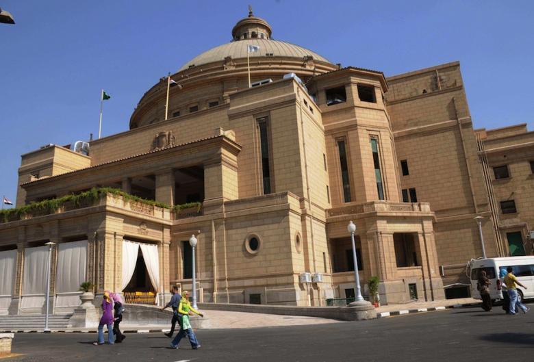 الجامعات في مصر تتلقى البحوث بديل الامتحانات من الطلاب لليوم الخامس