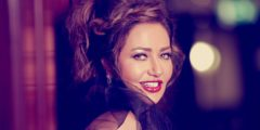 ليلى علوي: أنا محظوظة بأجمل عصور الموضة .. صور
